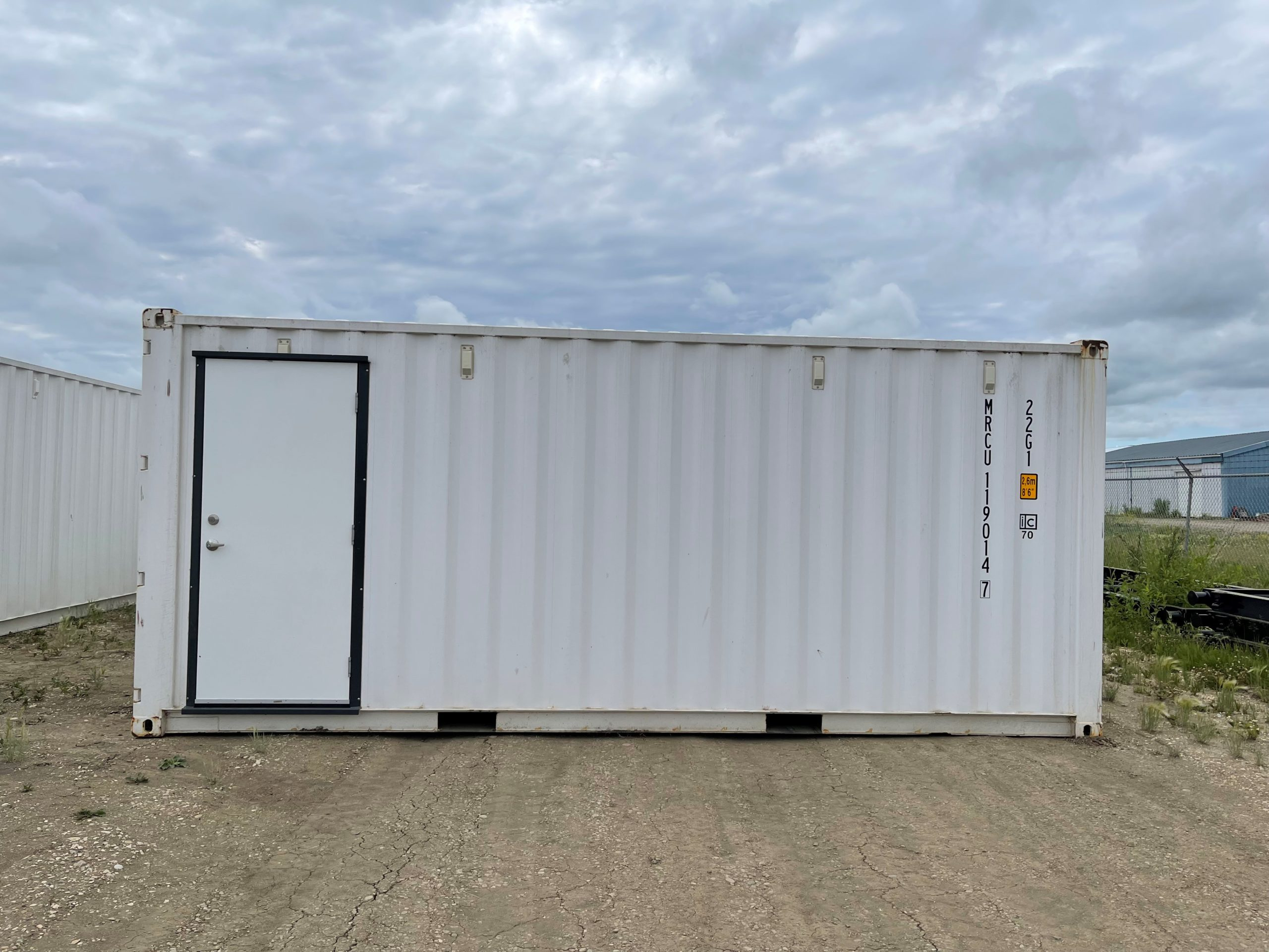 20′ STD (1-TRIP) Shipping Container, Personnel Door, Insulated - Custom Cubes